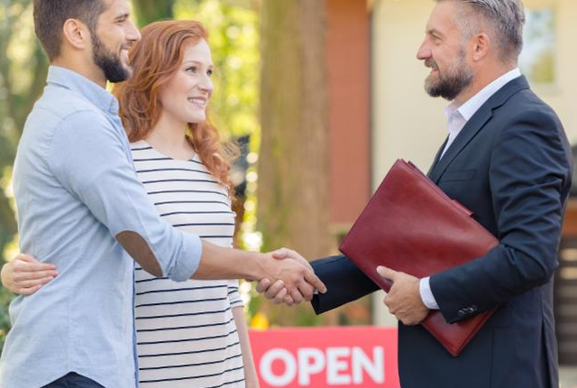Real Estate Agents, Make Sure You Are Marketing To Both