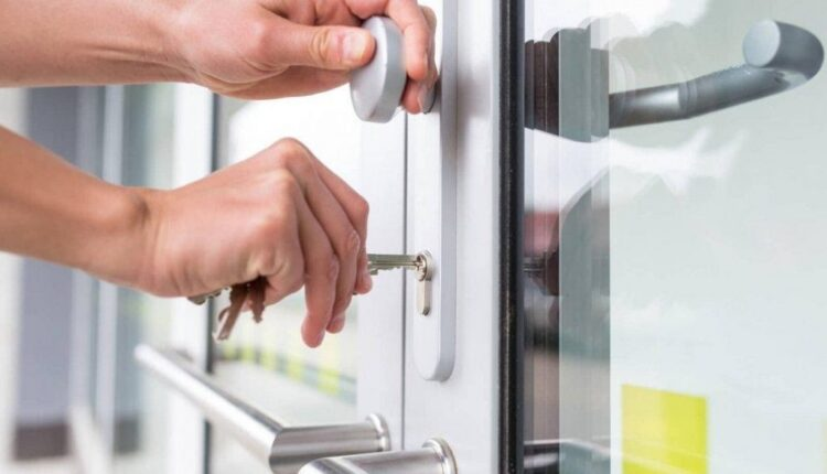 5 Tips For Hiring Commercial Door and Hardware Specialist